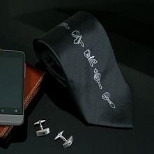 Szukasz praktycznego prezentu ? Polecamy krawat z instrukcją wiązania :)