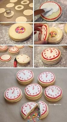 Sylwestrowe ciasteczka z niespodzianką *_*  SKŁADNIKI 4 i ¼ szklanki mąki + m...