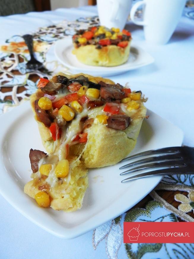 Przekąska sylwestrowa- czyli mini tarty na słono z ciągnącą się mozzarellą! :) Przepis krok po kroku po kliknięciu w zdj :