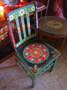 malowane krzesla