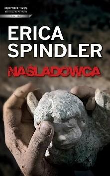 Naśladowca Erica Spindler  Pięć lat temu w małym miasteczku w Illinois został...