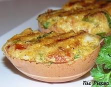 Jajka faszerowane z pomidorem i szpinakiem. Idealne na Wielkanocny stół, na kolację, czy na imprezę.