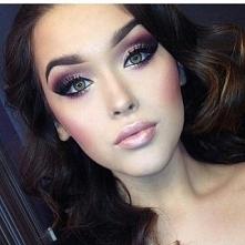 Perfekcyjne makijaże na studniówkę 2016 >>