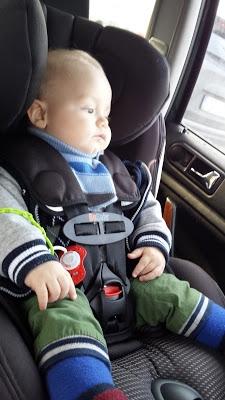 Kocham Zapinam - to akcja do której z radością dołączam, bo bezpieczeństwo mojego dziecka jest dla mnie na pierwszym miejscu i dlatego też pójdę o krok dalej - zapinam tyłem do kierunku jazdy najdłużej jak się da i bez kurtki! #KochamZapinam to inicjatywa Rodziców-Blogerów, którzy wierzą, że mają moc…