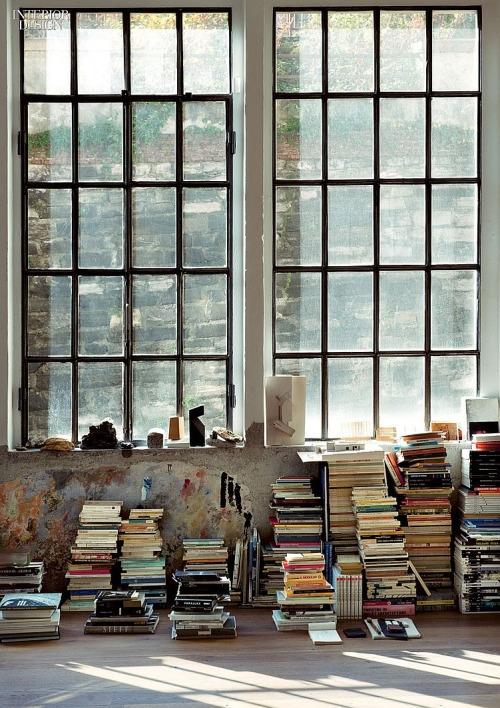 Czy poleciłby mi ktoś książkę, z której mogłabym się nauczyć przydatnych rzeczy związanych z architekturą wnętrz lub sztuką? :)