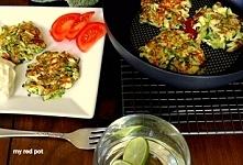 Frittata z cukinią i halloumi, zdrowe, lekkie, szybkie w przygotowaniu, pyszne placuszki. Nasza propozycja na lunch lub kolację.
