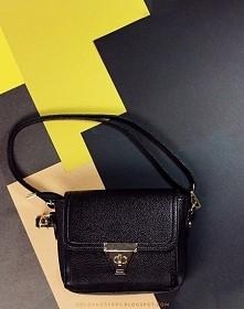 mała, czarna torebka
