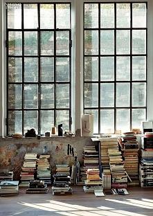 Czy poleciłby mi ktoś książ...