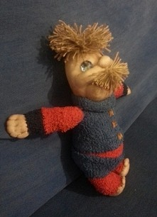 przedstawiam wam Poldka to moja pierwsza lalka robiona z pończochy i waty
