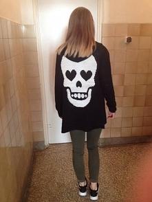 Fajny sweterek prawda ? :)