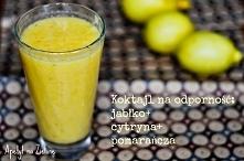 Koktajl wzmacniający odporność.   Porcja: 2 osoby  Składniki: 2 jabłka 1 poma...