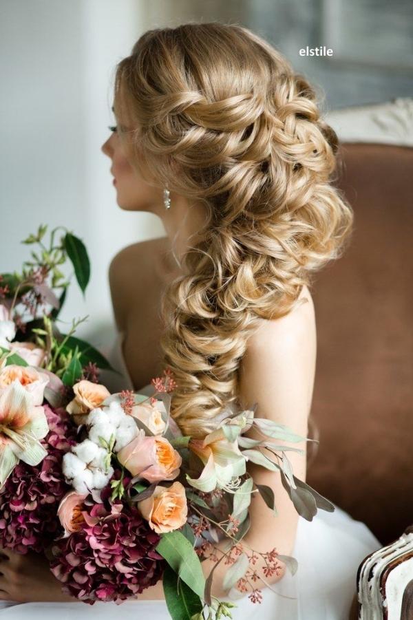 Fryzury ślubne Dla Kręconych Włosów Na Fryzury ślubne