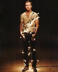 A co, gdyby Rayan Gosling został twoją choinką? :D