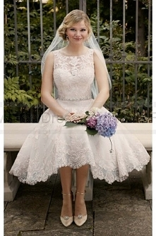 Essense of Australia Embroidered Knee-Length Wedding Gown Style D2101