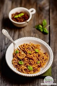 Spaghetti z pesto sycylijskim z suszonych pomidorów i bazylii :)  Przepis na naszym blogu po kliknięciu w zdjęcie :)