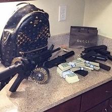 Luksusowe życie dzieci bossów narkotykowych. To, co znajduje się w ich domach...