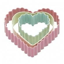 Foremki do wykrawania ciastek w kształcie serc (zestaw 3 sztuk) - Kitchen Craft