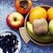 Nie kupuj owocowych jogurtów, zrób sama i poczuj prawdziwą rozkosz ;) u mnie jogurt grecki, winogrono czerwone, jagody, kilka łyżek soku z malin ;)