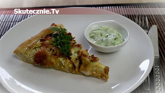 Pizza z kurczakiem na chrupiącym cieście. :>