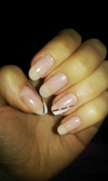 delikatny manicure