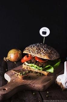 Wegetariański burger z faso...