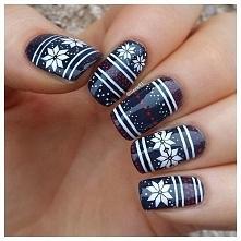 idealne wykończenie manicure :D wzorki tak często spotykane na naszych swetra...
