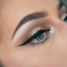 Makijaże podkreślające oczy >> 17 inspiracji