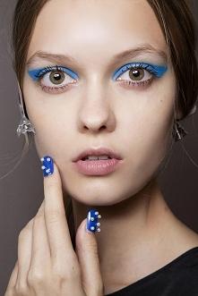 Niebieski. Perły