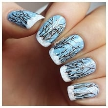 Ten manicure w zupełności oddaje wszelkie uroki zimy. Co prawda, przy wykonan...