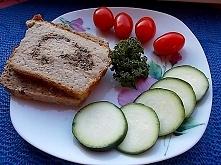 Taki pasztet wskazany w każdej diecie. Lekki, drobiowo - warzywny z pieczarkami.