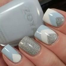 Pierwszy z pięknych manicure, które moim zdaniem pasują na zimowe dni :)