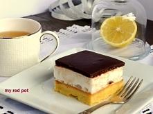 Orzechowa kostka z pianką i polewą czekoladową