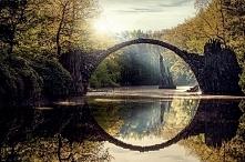 Most nad jeziorem Rakotz, Kromlau Niemcy