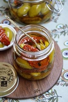 Oliwki z suszonymi pomidorami i czosnkiem <3