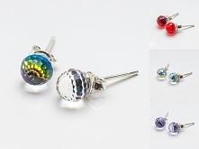 Srebrne kolczyki Swarovski 925 Kulki 6mm 8 kolorów materiał: sztyfty i zapięcia ze srebra 925 + kamienie Swarovskiego 4869 6mm waga srebra: ~0,42g ( 1 para ) waga kolczyków z k...