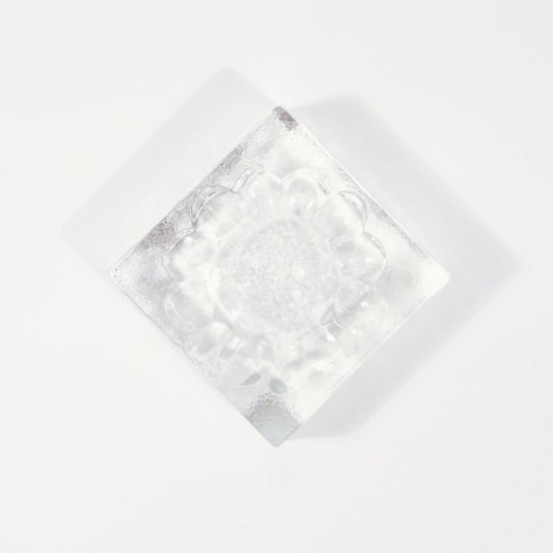 Szklana popielniczka