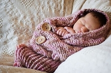 Knitting pattern for baby cocoon
