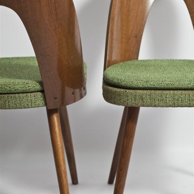 Krzesła projektu A. Sumana, lata 60.