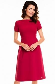 Awama A130 sukienka bordowa Kobieca sukienka, prosty dekolt, model delikatnie...