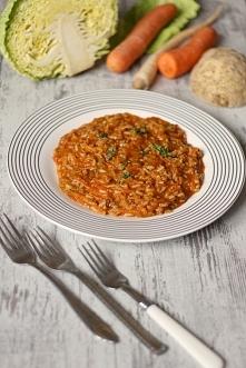 Garnek gołąbkowy (czyli najszybsze gołąbki na świecie) - danie które smakuje tak jak tradycyjne gołąbki. Kliknij w zdjęcie po przepis.