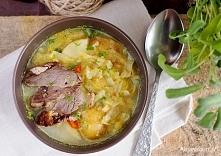 Zupa warzywna z młodą kapustą