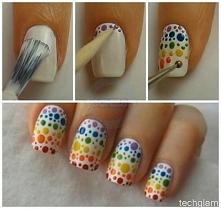 kolorowe kropeczki na paznokciach