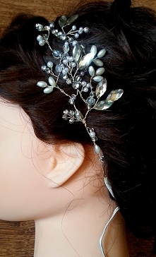perłowo kryształowa ozdoba. Wiecej ozdób do włosów na fb Magik art