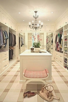 Garderoba w stylu glamour czyli jak zaprojektować i urządzić garderobę w amer...