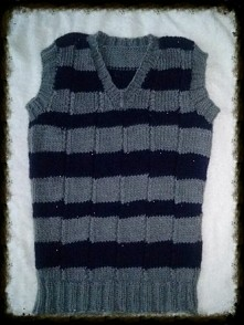 kamizelka na drutach - handmade.  wloczka Yarn Art Merino Exclusive