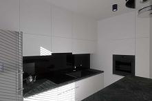 Wnętrze minimalistycznej, eleganckiej kuchni w projekcie Mobiliani Design z Bydgoszczy