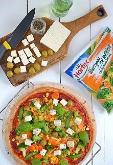 Lekka pizza z warzywami - pełna smaków i kolorów :)