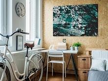 W cieniu turkusowego drzewa - nowoczesny obraz na płótnie