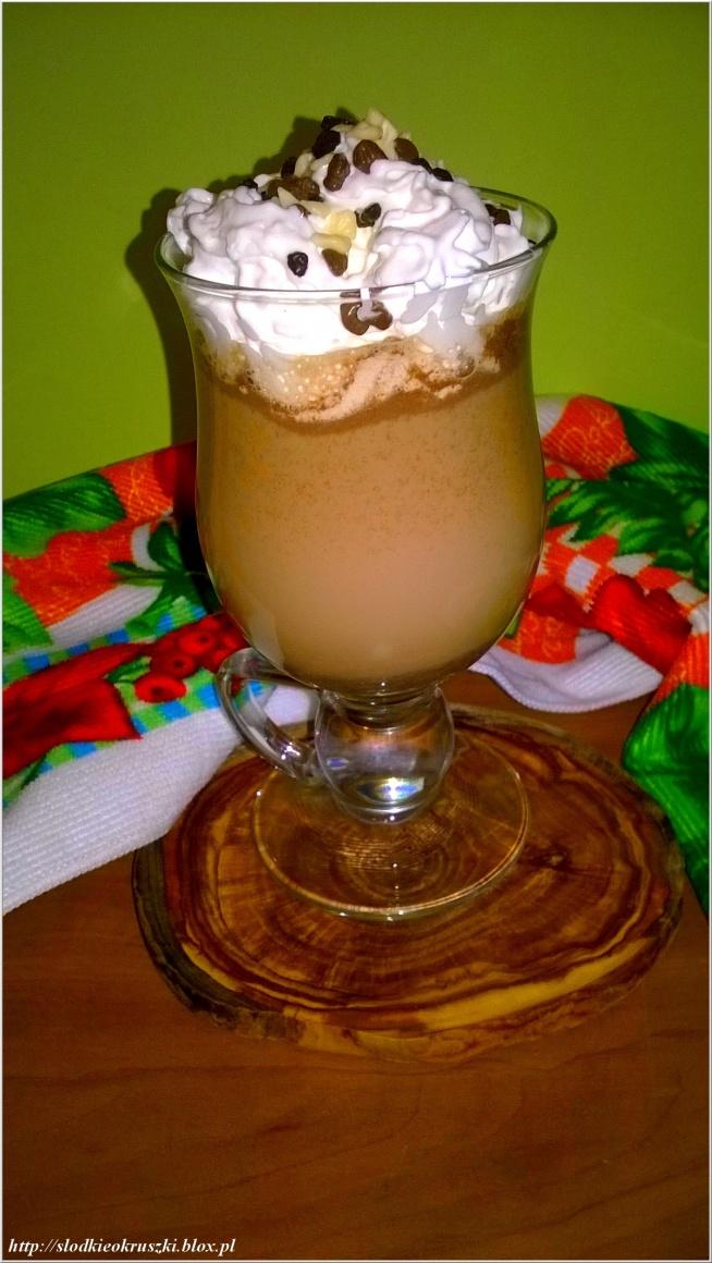 Pyszna marcepanowo czekoladowa kawa deserowa.  Przepis po kliknięciu w zdjęcie.