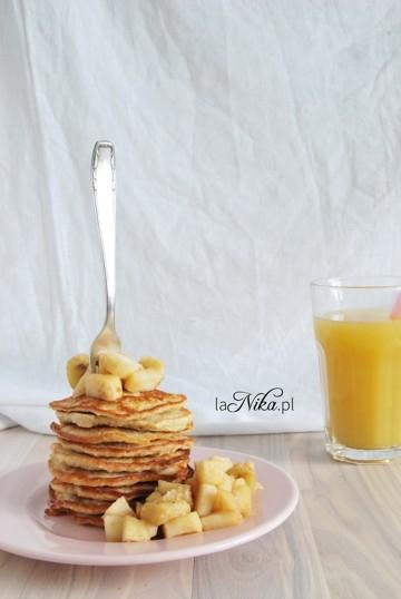 Placki owsiane z bananem i jogurtem. Przepis po kliknięciu w zdjęcie